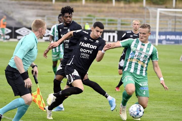 KTP ja FC Lahti tarjoilivat värikkään Veikkausliigan kamppailun. LEHTIKUVA / Jussi Nukari