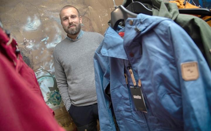 Sastan kaupallinen johtaja Juha Latvala uskoo ulkoluvaatteissa kestävyyteen ja ajattomaan designiin.