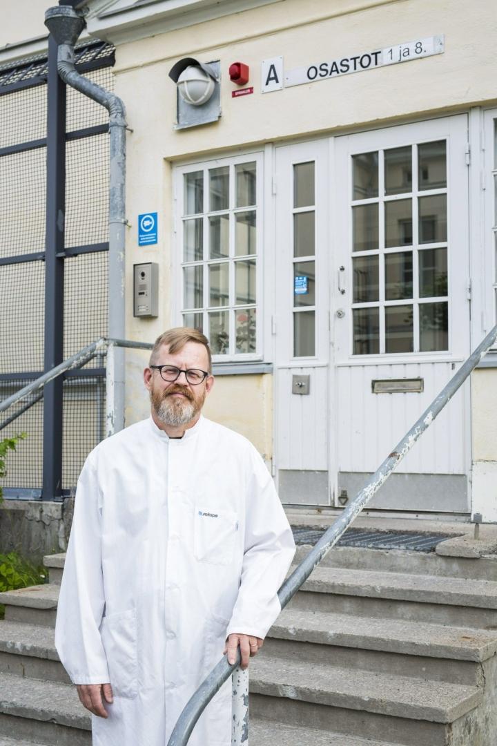 Niuvanniemen sairaalan johtava lääkäri Kari Ojala. Arkistokuva. LEHTIKUVA / TIMO HARTIKAINEN