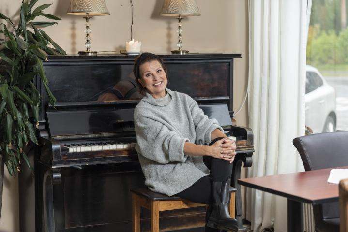 Arja Koriseva sai levytettäväkseen Tangomarkkinoiden sävellys- ja sanoittajakilpailun voittajatangon Mitä todella? Sen ensiesitys kuullaan 26. lokakuuta Kuninkaallisten konsertissa, jonka AlfaTV taltioi.