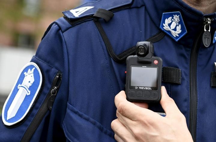 Poliisi kiitti Twitterissä kaikkia vanhuksen etsintään osallistuneita. LEHTIKUVA / VESA MOILANEN