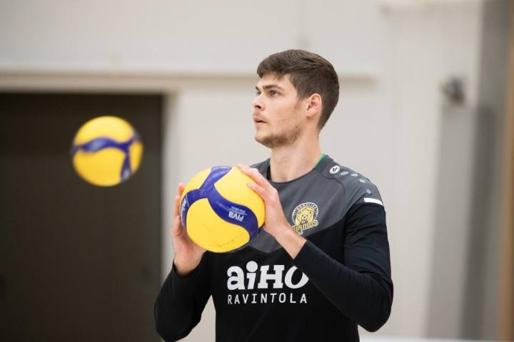Hurmoksen uusi yleispelaaja Markuss Cielavs kuuluu joukkueen runkopelaajiin.