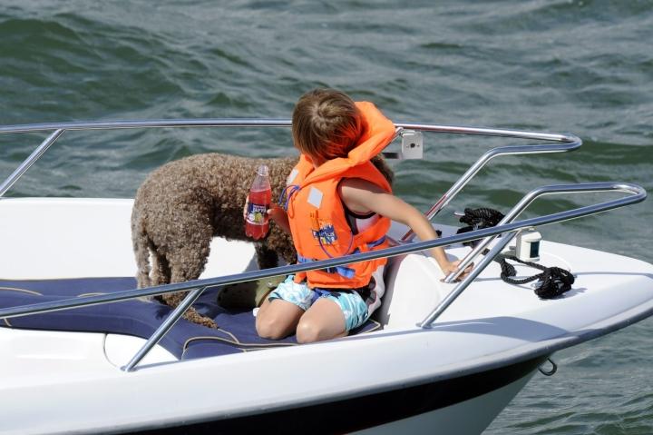 Osana opetusta lapset oppivat muun muassa, miten tehdään merimiessolmuja ja tunnistetaan merimerkkejä. Arkistokuva. LEHTIKUVA / Sari Gustafsson