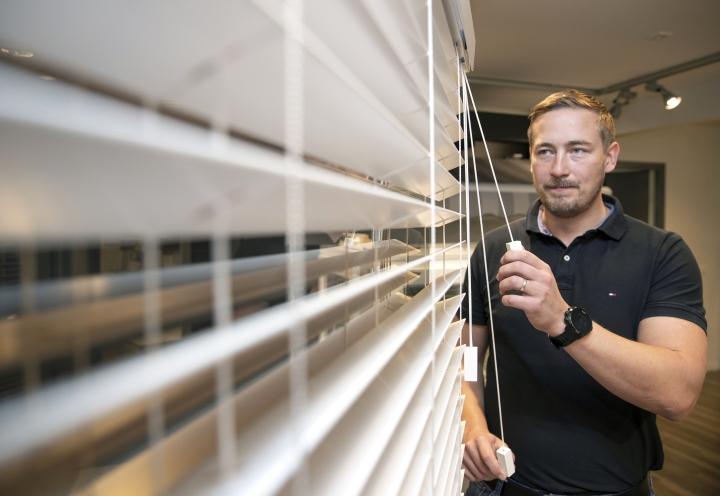 Valoisat näkymät. Jarno Ahtosen mukaan auringonsuoja-alalla on tapahtunut paljon muutoksia viimeisten viiden vuoden aikana.