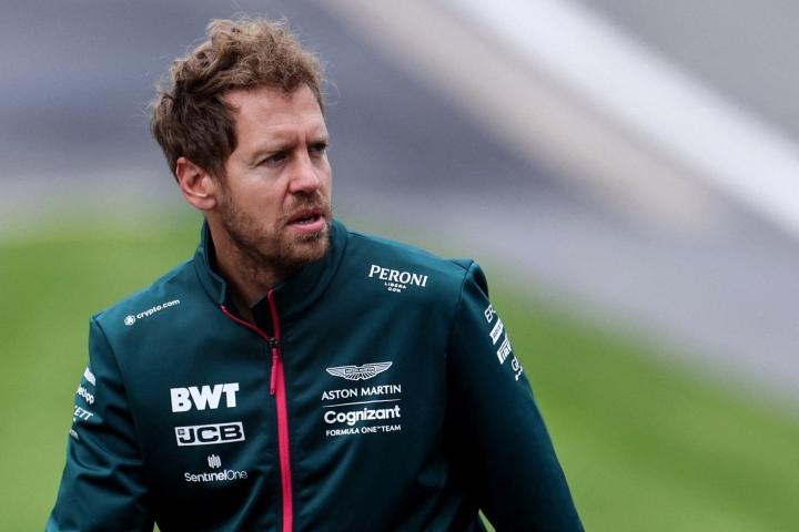 Sebastian Vettelin autoon iski harjoituksissa tekninen vika. LEHTIKUVA/AFP