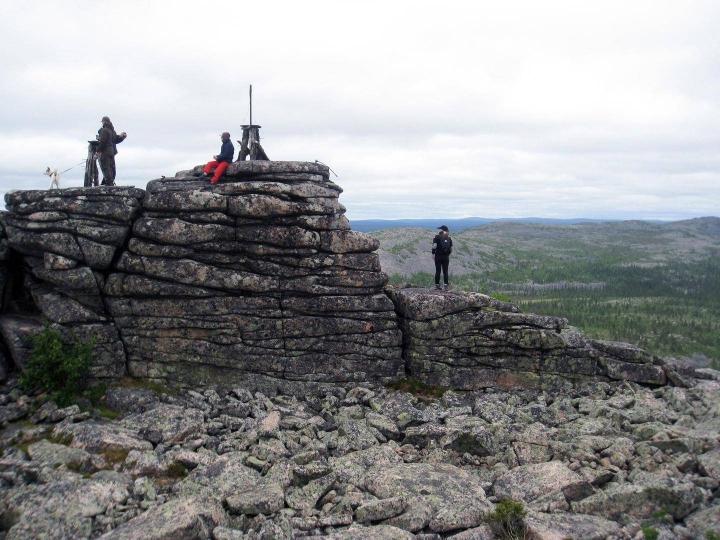 Erikokoiset kivitornit ovat seisseet Pyhä-Nattasen huipulla noin miljoona vuotta.
