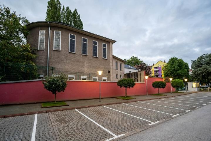 Poliisi eristi Hagenissa Saksan länsiosassa sijaitsevan synagogan jo eilen, mutta syitä toimille ei silloin kerrottu. LEHTIKUVA/DPA