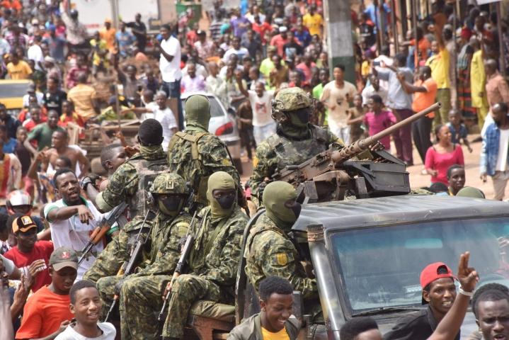 Länsi-Afrikan Guinea odottelee tulevaisuutensa suuntaa armeijan vallankaappauksen jälkeen. LEHTIKUVA/AFP