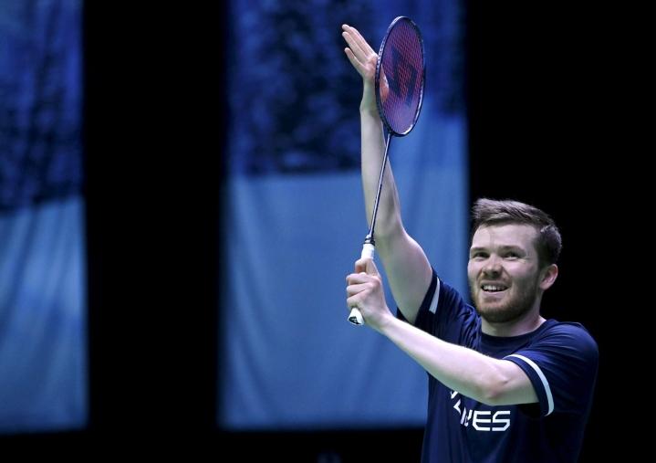 EM-pronssimitalisti ja Tokion olympiakävijä Koljonen johti molempia eriä, mutta hävisi 16–21, 19–21. LEHTIKUVA / Heikki Saukkomaa