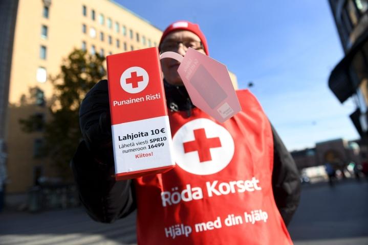 Suomessa avustuskohteina ovat tulipalojen uhrit ja Vapaaehtoisen pelastuspalvelun eli Vapepan toiminta. LEHTIKUVA / ANTTI AIMO-KOIVISTO