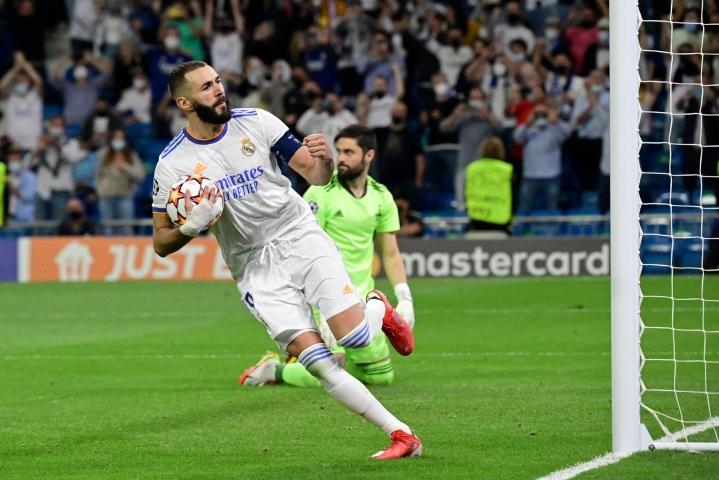 Karim Benzema laukoi rangaistuspilkulta Real Madridin ainoan maalin. LEHTIKUVA/AFP