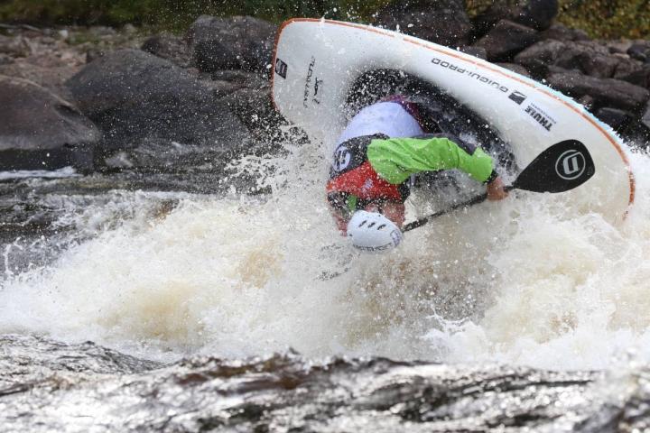 Visa Rahkola pyöritteli itsensä lauantaina toiseen peräkkäiseen freestylemelonnan Suomen mestaruuteen.