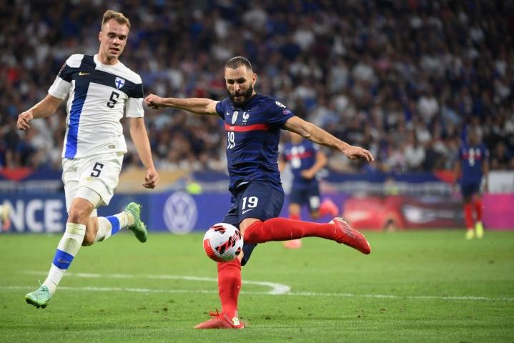 Suomen kymmenen kuukauden takainen 2–0-voitto kääntyi tiistai-iltana Lyonissa 0–2-tappioksi. LEHTIKUVA/AFP