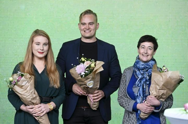 Syyskuussa vihreiden varapuheenjohtajiksi valittiin Iiris Suomela (vas), Atte Harjanne ja Hanna Holopainen. LEHTIKUVA / HEIKKI SAUKKOMAA