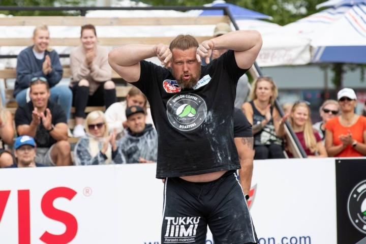 Suomen vahvin mies, kontiolahtelainen Mika Törrö oli kolmas rekanvedon MM-kilpailuissa Kiovassa. Arkistokuva.