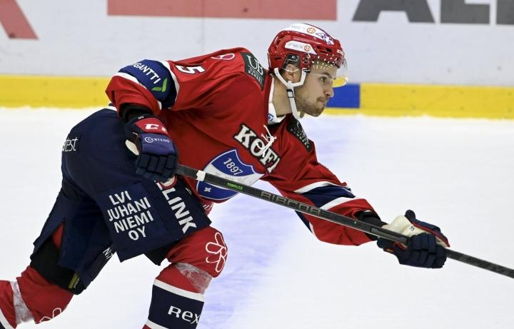 HIFK:n Kasper Kotkansalo laukoi joukkueen johtomaalin. LEHTIKUVA / Markku Ulander