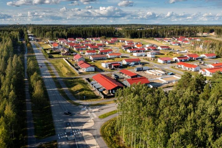 Joensuun Karhunmäki on maakunnan suurin uuden pientalorakentamisen keskittymä. Tämän vuoden luovutukseen tuotiin 40 tonttia, ja kaikki ovat menneet.