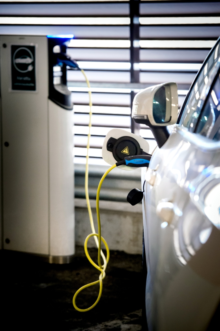 Liikenne- ja viestintäministeriön mukaan Suomessa oli kesäkuussa 82 000 sähköäautoa. Uuden ennusteen mukaan vuonna 2030 sähköautoja on 600 000.