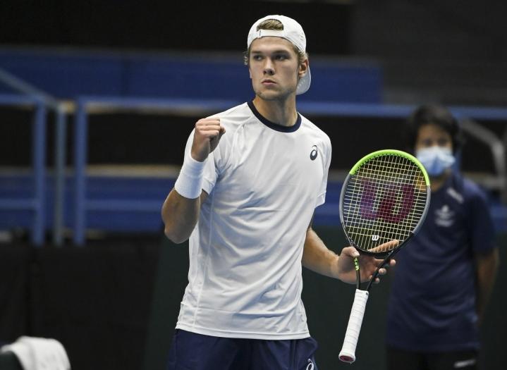 Suomi aloitti tenniksen Davis Cupin ottelun Intiaa vastaan vahvasti Espoossa, kun Otto Virtanen (kuvassa) kukisti Prajnesh Gunneswaranin. LEHTIKUVA / Markku Ulander