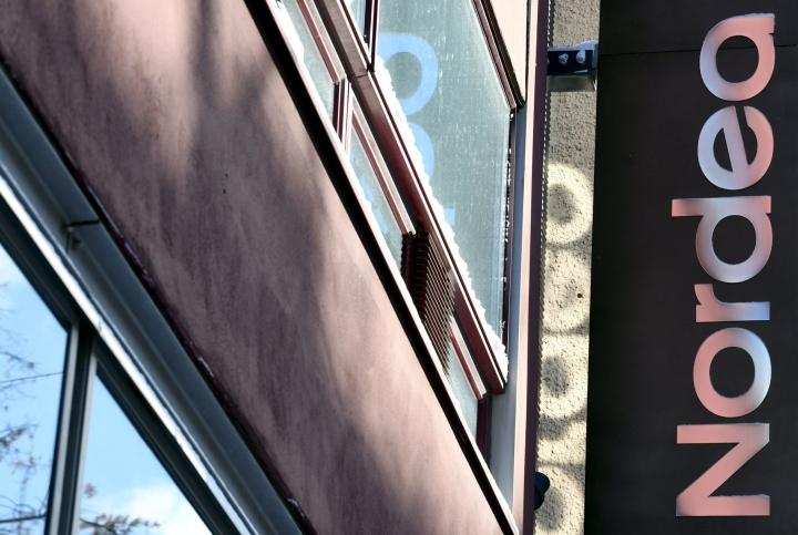 Nordea kertoo, että jos viasta aiheutui asiakkaalle taloudellisia vahinkoja, voi hakea korvausta pankin verkkosivujen kautta. LEHTIKUVA / JUSSI NUKARI