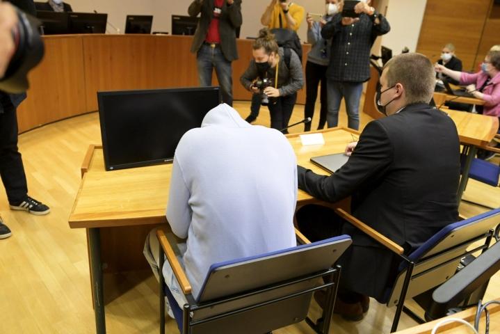Syytetty Pirkanmaan käräjäoikeudessa Tampereella tänään. Nokian ulosajossa kuoli kolme nuorta elokuussa 2020. LEHTIKUVA / VESA MOILANEN