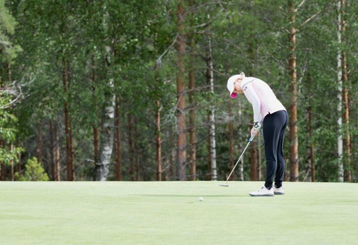 Karelia Golfin Emilia Leppänen päätyi jaetulle viidennelle tilalle Finnish Junior Tourilla. Kuva Leppäsestä viime vuodelta.