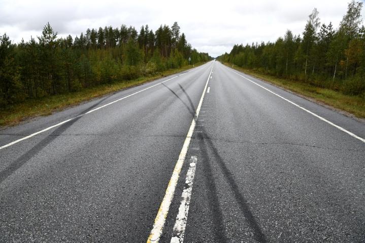 Poliisi on aloittanut Kokkolan onnettomuudesta esitutkinnan. Kuvassa turmapaikka 11. syyskuuta 2021. LEHTIKUVA / TOMI HIRVINEN