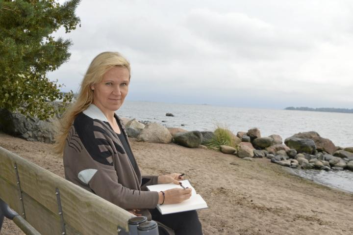 Meri edustaa kirjailija Johanna Venholle vapauden tuntua. Meriluonto on yksinkertaisesti kaunis.