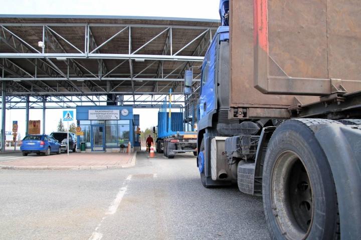Suomen Kuljetus ja Logistiikka ry teki liikennelaskentaa Pohjois-Karjalassa Onkamossa. Lähellä sijaitseva Niiralan raja-asema selittää osaltaan ulkomaisten kuorma-autojen suurta määrää.