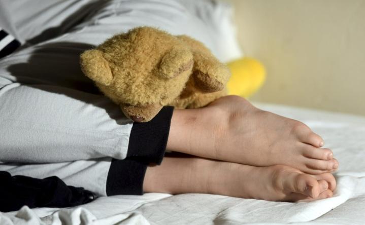 Pimeän verkon kyselytutkimukseen vastanneista lähes 40 prosenttia kertoi hakeutuneensa suoraan verkkovälitteiseen kontaktiin lapsen kanssa katsottuaan hyväksikäyttömateriaalia. LEHTIKUVA / HEIKKI SAUKKOMAA