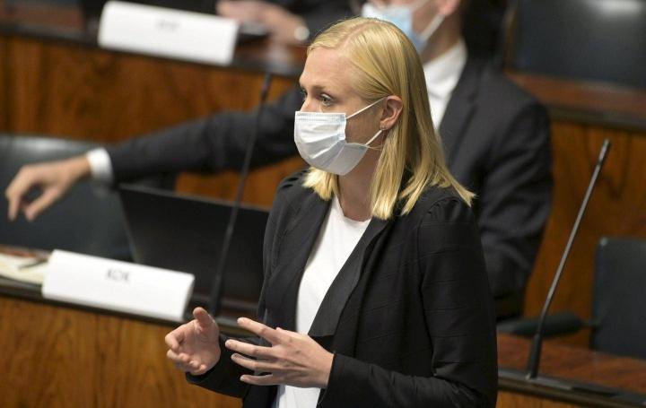 Kokoomuksen varapuheenjohtajan Elina Valtosen mielestä sosiaalidemokraattisen SPD:n liittokansleriehdokas Olaf Scholz ei oikeastaan ole demari.