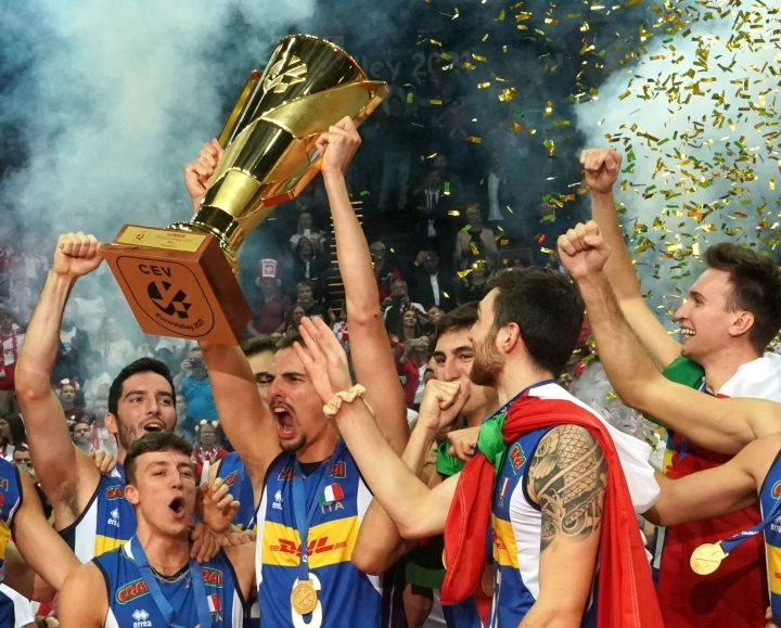 Italia voitti finaalissa Slovenian. LEHTIKUVA / AFP