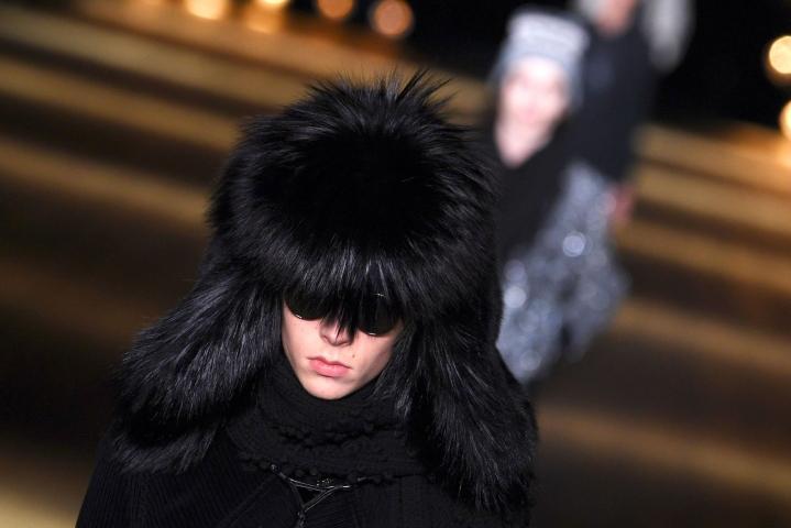Eläinsuojelujärjestöt ovat pitkään lobanneet muotiteollisuutta luopumaan turkisten käytöstä vaatteissaan. Lehtikuva/AFP