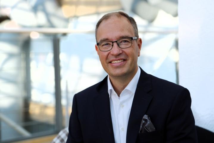 DNA:n toimitusjohtajaksi on nimitetty Jussi Tolvanen. LEHTIKUVA / HANDOUT