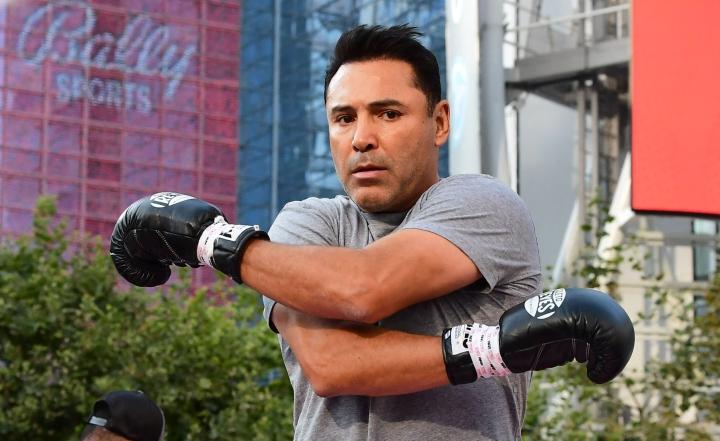 Oscar De La Hoyan oli tarkoitus otella ensi viikolla Los Angelesissa entistä vapaaottelijaa Vitor Belfortia vastaan. LEHTIKUVA/AFP