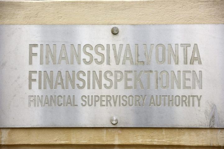 Finanssivalvonnan mukaan talouden elpyminen ja sijoitusmarkkinoiden kehitys tukivat suomalaisen finanssisektorin kannattavuutta.  LEHTIKUVA / Heikki Saukkomaa