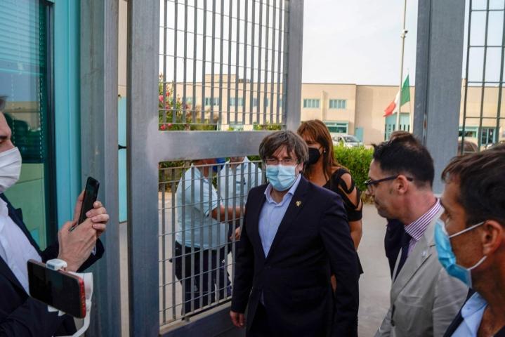 Maanpaossa Belgiassa asuva Puigdemont pidätettiin hänen saavuttuaan Sardiniaan. LEHTIKUVA/AFP