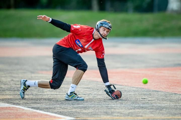 Loistavan ulkopelaajan Mikko Kemppaisen pelaamista varjostivat uran loppupuolella loukkaantumiset, jotka veivät tehoja miehen sisäpelistä.
