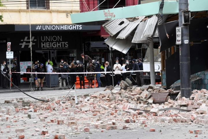 Järistys oli voimakkuudeltaan 5,8. Järistys vaurioitti rakennuksia muun muassa Melbournessa. LEHTIKUVA/AFP
