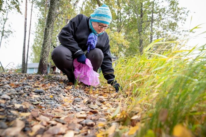 Minna Ronkainen ei lähde ulos luontoon ilman roskapussia.