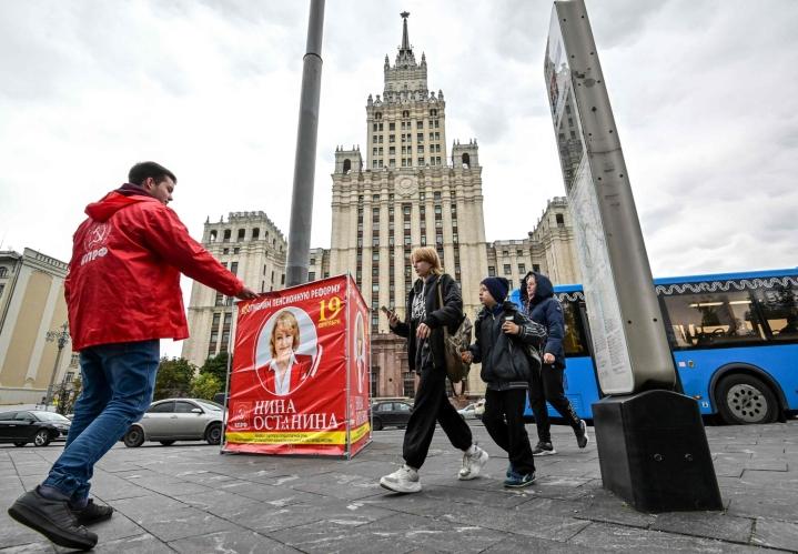 Venäjällä äänestetään duuman eli parlamentin alahuoneen vaaleissa. LEHTIKUVA/AFP