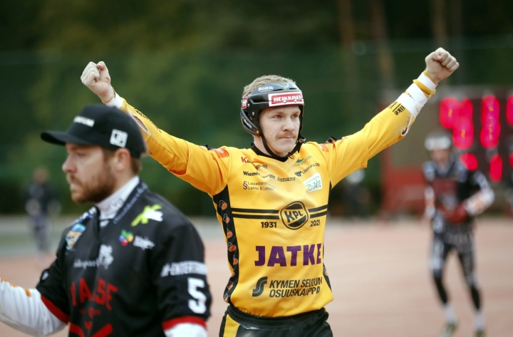 Kouvolan Pallonlyöjät voitti tamperelaisen Manse PP:n tämän kotikentällä. LEHTIKUVA / Kalle Parkkonen