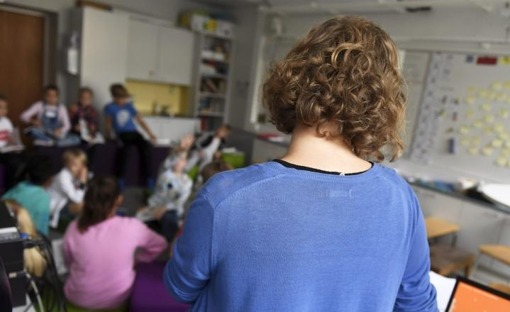 Korona-aika on saanut yli puolet Opetusalan ammattijärjestön (OAJ) kyselyyn vastanneista opettajista pohtimaan alanvaihtoa. LEHTIKUVA / Vesa Moilanen