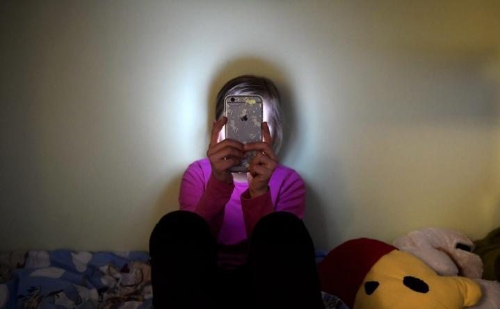 Pelastakaa Lapset muistuttaa, että yksikään digitaalisia välineitä käyttävä lapsi ei ole täysin suojassa verkon haittailmiöiltä. LEHTIKUVA / Vesa Moilanen