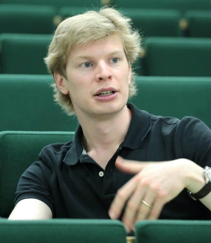 Eero Lehtimäen kolmas vuosi Joensuun kaupunginorkesterin johdossa alkaa torstaina.