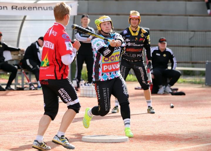 Jiri Pippola pelasi viime kauden Siilinjärven Pesiksen lyöjäjokerina.