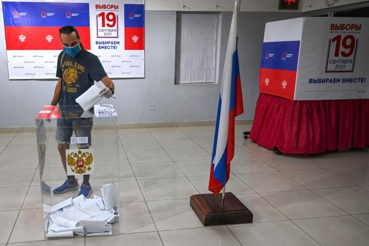 Venäjän duuman eli parlamentin kolmipäiväiset vaalit päättyivät sunnuntaina. LEHTIKUVA/AFP