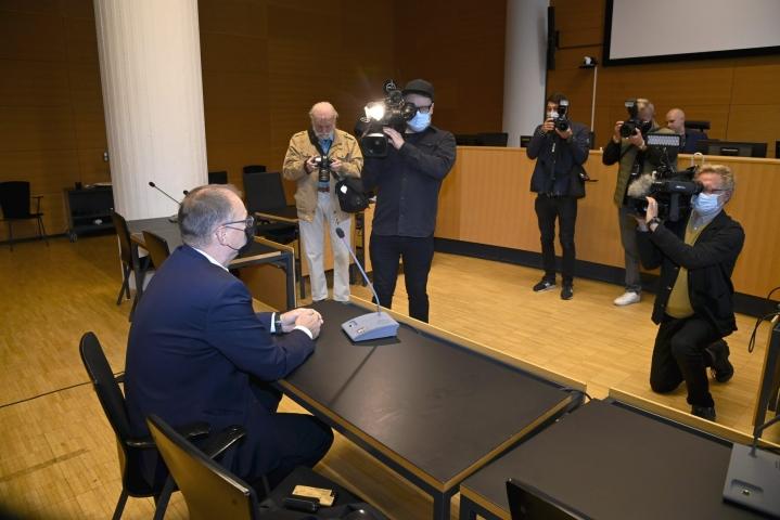 Sipilä saapui oikeusistuntoon, mutta syytetty mies ei. Lehtikuva / Markku Ulander
