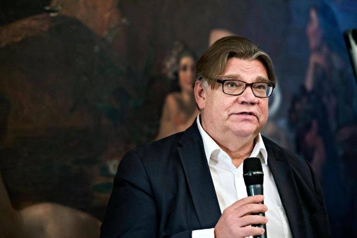 Espoon siniset erotti Timo Soinin paikallisyhdistyksestä kesäkuussa. Nyt sinisten puoluehallitus on erottanut Espoon sinisten henkilöitä.
