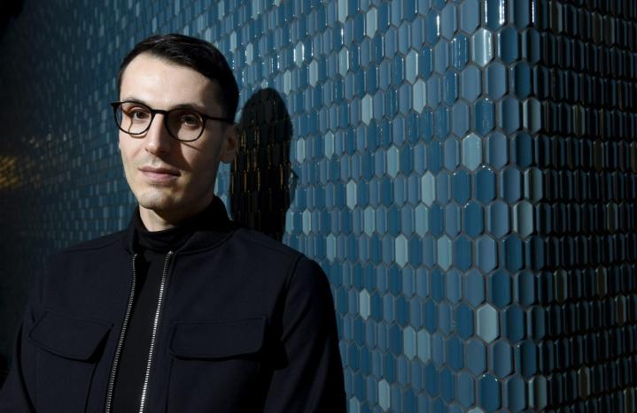 Pajtim Statovcin Bolla palkittiin kaunokirjallisuuden Finlandialla vuonna 2019. LEHTIKUVA / HEIKKI SAUKKOMAA